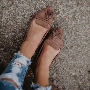 A Mermaid's Epiphany Shoes - 🆕3 LEFT Victoria Tassel Flats in Taupe